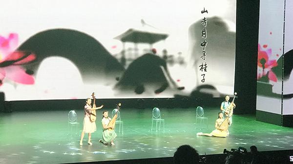 """上海普教""""一校一品""""展示最美校园民族风"""