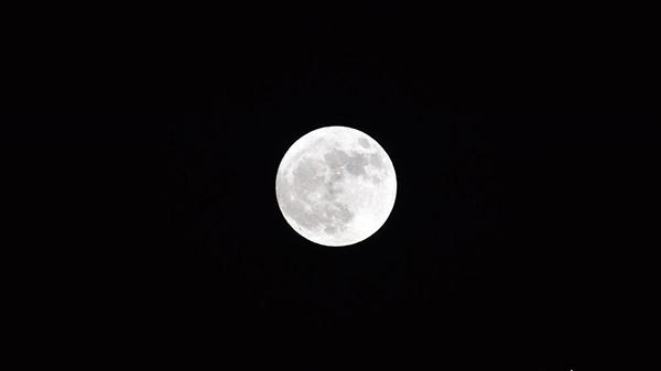 2017年唯一超级月亮登场 是80年来第8大满月
