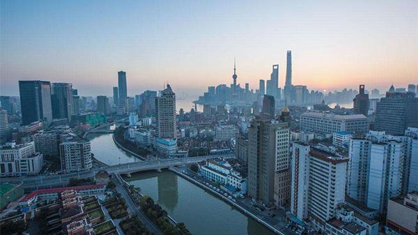 申城今起开始降温 最低6度 午前有轻度霾