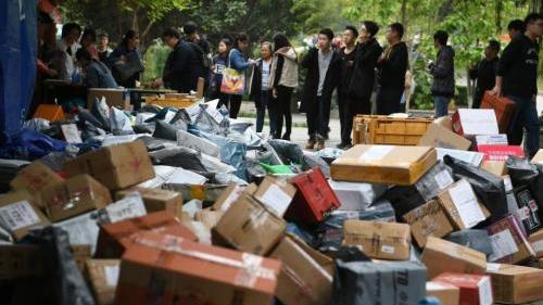 中国首次发布快递物流指数 11月份指数为112.1%