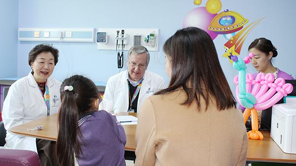 学龄儿童还总尿床别不当回事 儿童遗尿症或影响智力