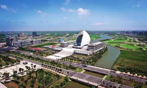 上海临港明年元旦起实行人才新政 紧缺急需人才可直接落户