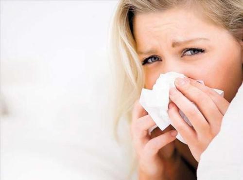 """气温""""跳水""""当心感冒病毒趁虚""""攻心"""" """"小""""感冒也可惹来致命心肌炎"""
