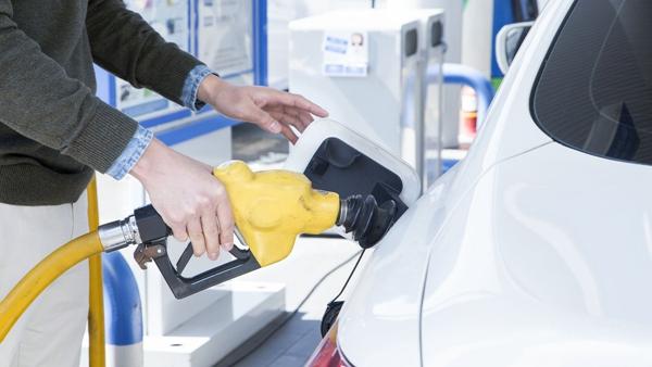 """成品油价今天已上调  但沪上这些加油站能""""打折""""!"""