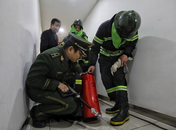 节前大型商场消防检查