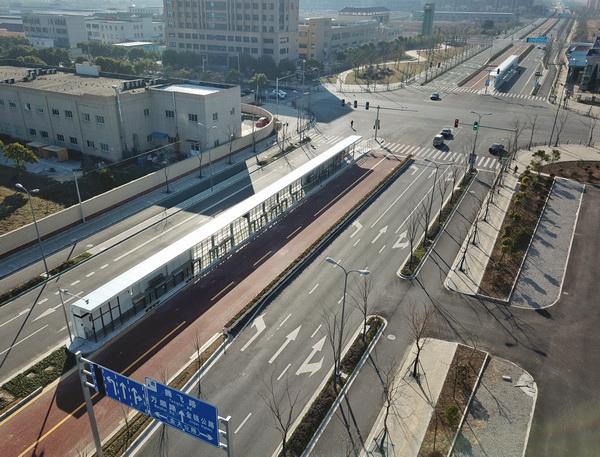 上海首条快速公交BRT样板车站