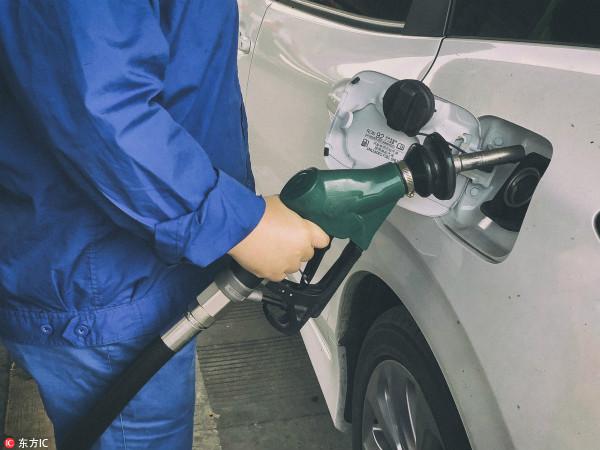 """成品油价今天已上调,但沪上这些加油站能""""打折""""!"""