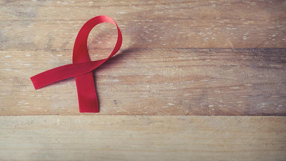 我国艾滋病病人超过70万 沪成立中心解决临床治疗难题