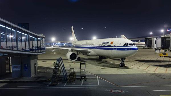 浦东机场各停车楼(场)已处饱和状态 机场往返市区及周边地区线路充足