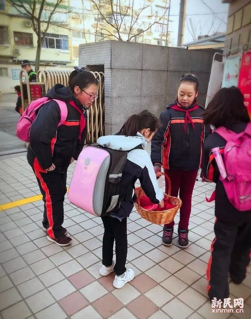 金沙江路小学:激情满满筑梦金色童年 积极向上成就七彩人生