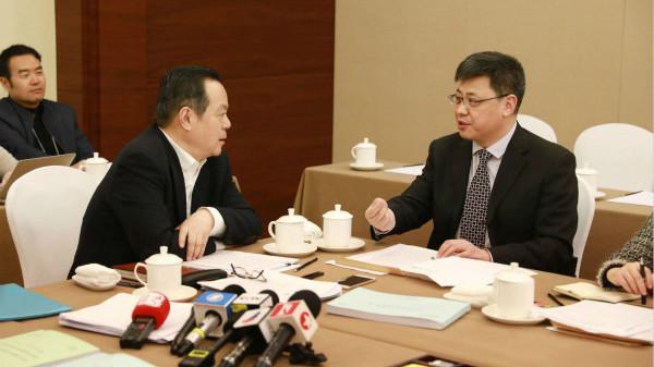 全国两会 | 上海代表团驻地来了几位客人,张兆安代表何以为他们点赞?