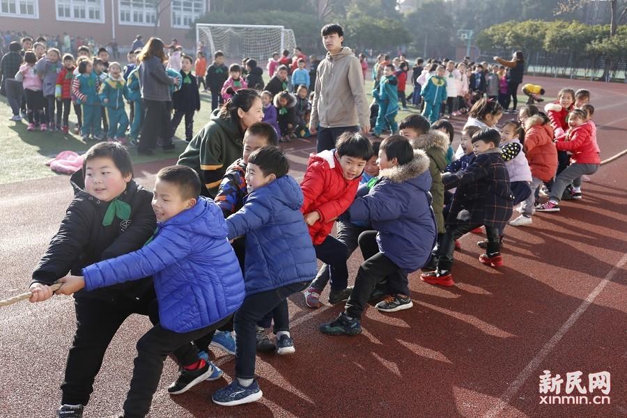 朱泾小学举行2017体育节系列活动之拔河比赛