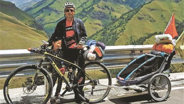 父亲带4岁女儿骑行:因女儿攀比受触动,走遍大多数省份