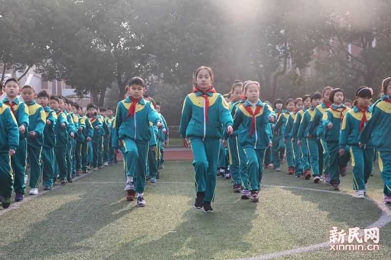 朱泾小学举行2017学年第二学期雷锋韵律操比赛