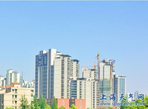 上海今天晴转多云  明天夜里转阴有时有阵雨
