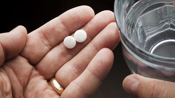 吃药最好遵医嘱!27岁年轻人感冒后乱吃药酿悲剧 从入院到离世仅7天