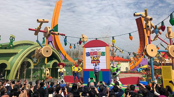 """""""迪士尼·皮克斯玩具总动员""""主题园区今开幕 下午正式迎客"""