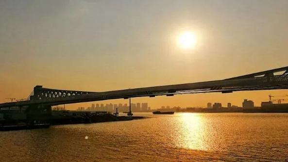 上海浦东37块黄浦江旅游指引标志全线亮相!