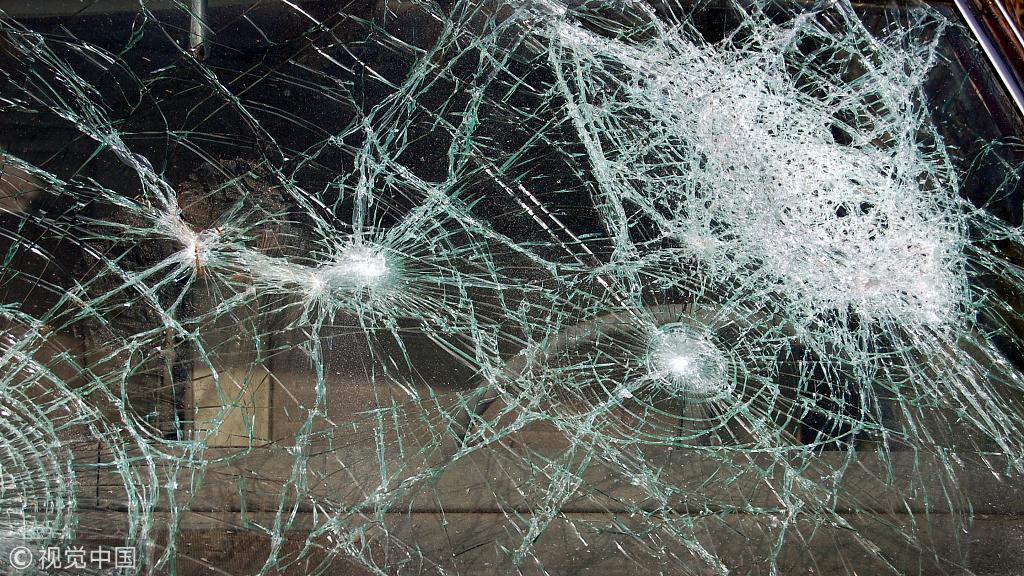 今晨沪芦高速两车相撞 1人死亡