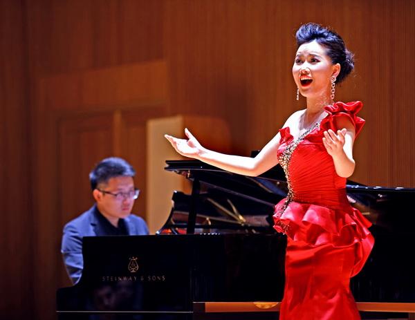 """""""燕歌飞扬""""——周燕燕访学汇报音乐会昨晚在上交演奏厅唱"""