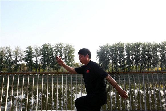 警界武术高手董亚生:太极拳能实战 习武助我破获要案