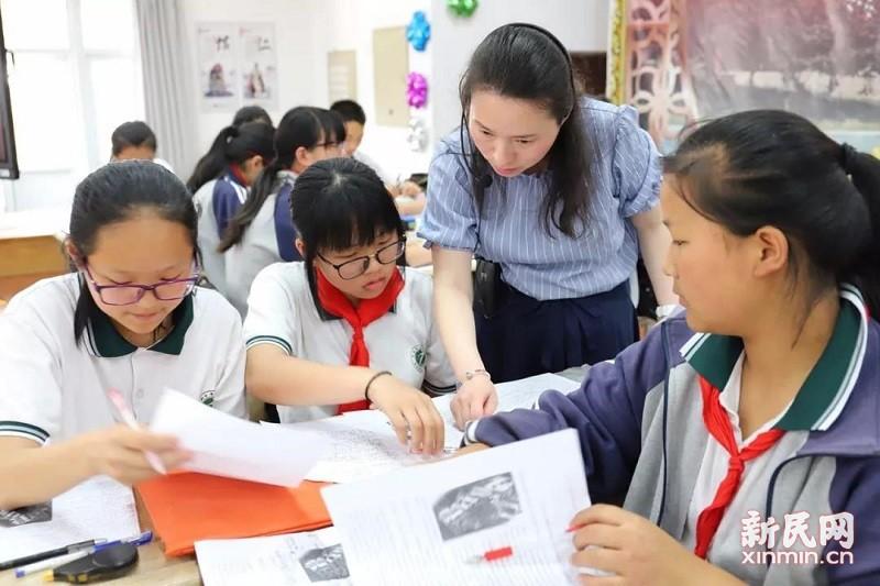 廊下中学教师参加平湖市名师课堂教学展示活动
