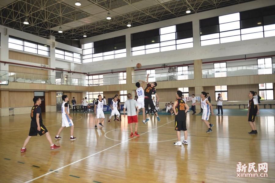 """曙光中学""""嘉能""""杯学生篮球赛热力开幕"""