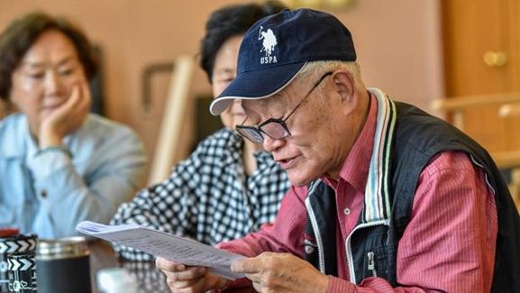 83岁牛犇今天入党宣誓!秦怡是入党介绍人