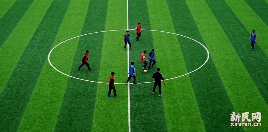 金卫中学预备年级开展足球联赛活动