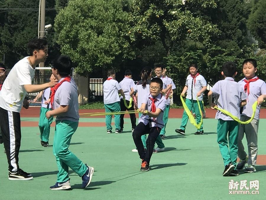 朱泾小学:课堂展风采,磨砺助成长