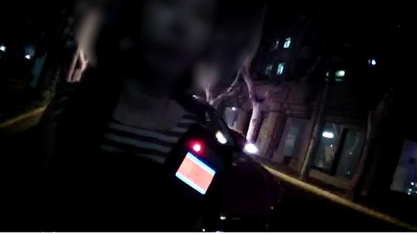 沪一女球迷看完世界杯比赛醉驾上路 遇民警盘查冲卡被拘