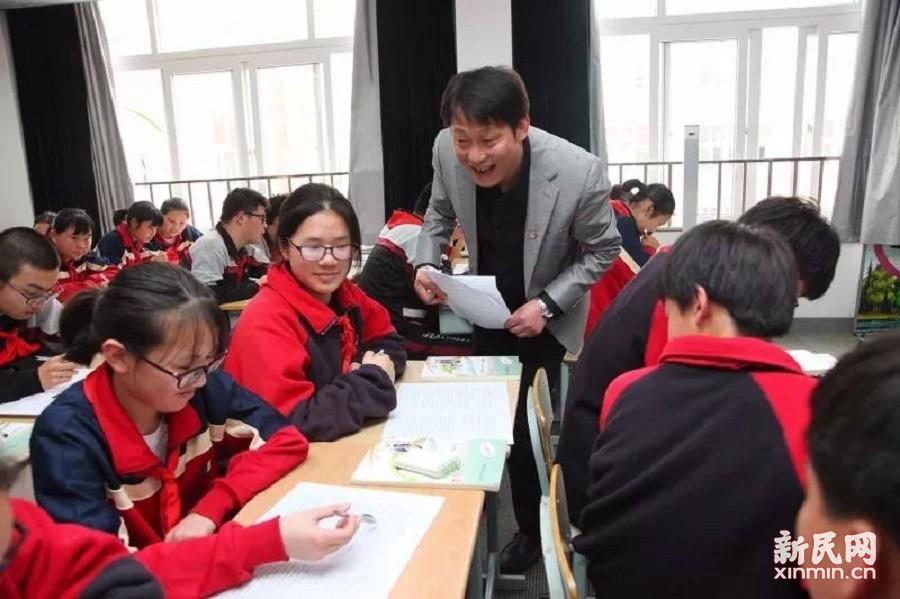 廊下中学:牵手教学 优化课堂 争当先锋