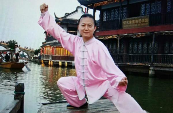 上海市民武术节开幕  精武传承基地船上展示陈式太极