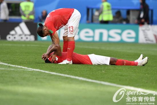 """再""""偏心""""说不过去了!充满争议的瑞士队终于回家"""