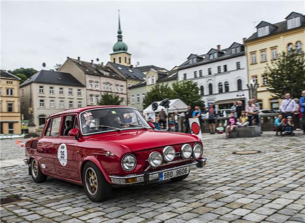斯柯达两款车型参加欧洲锡尔夫雷塔经典车拉力赛