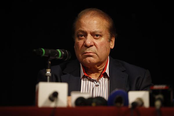 巴基斯坦前总理谢里夫回国后被逮捕 或面临10年监禁