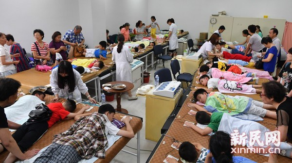 """岳阳医院""""冬病夏治""""儿科敷贴门诊就诊量激增"""
