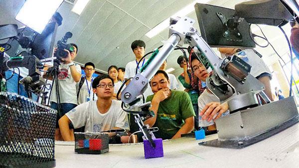 大学生电子设计竞赛嵌入式专题邀请赛在上海交大举行
