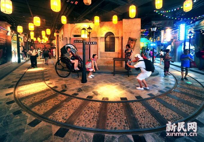 陆家嘴重现老上海风情街