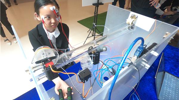 """""""人工智能+互联系统""""双引擎驱动智联新时代 这个高校设计展让人大开眼界"""