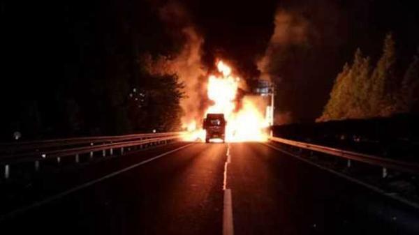 杭州绕城高速公路先后发生道路交通事故 致9死3伤