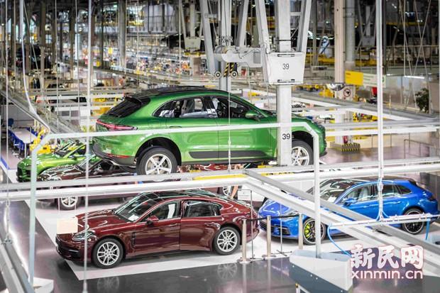 保时捷量产首台新款 Macan卖给中国车主