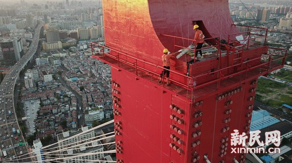 杨浦大桥桥塔塔顶安装工程启动
