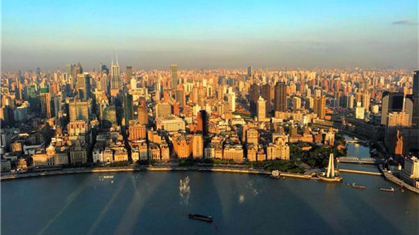美图来了!在东方明珠看最美城市日出