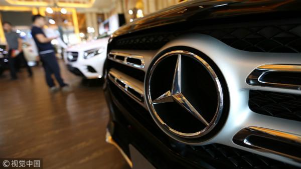 奔驰中国召回两千多辆进口C级和E级汽车,涉副驾驶座椅故障