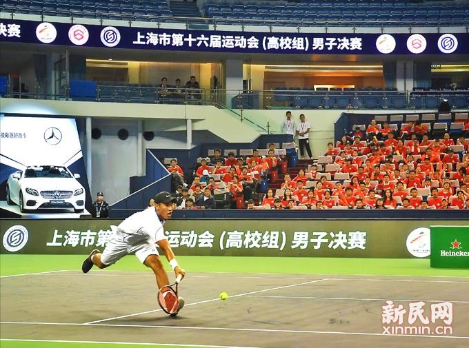 市运会大学生网球选手首次走上大师杯赛场