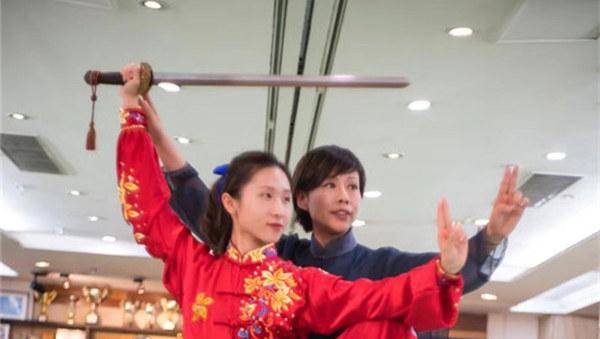 """香港""""太极天后""""李晖:让香港年轻人爱上太极"""