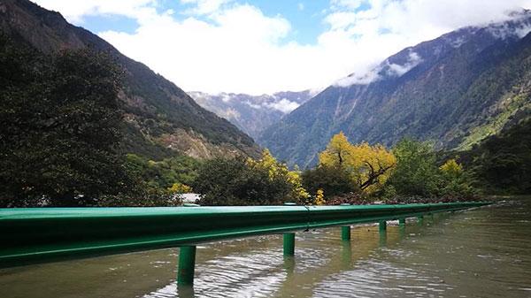 突发!西藏雅鲁藏布江米林段发生山体滑坡形成堰塞湖