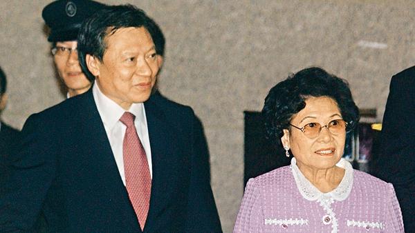 郭炳湘的恩怨人生:绑架、世纪贪案和一个女人引发的豪门内斗