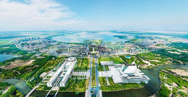 上海临港新城滴水湖全景图